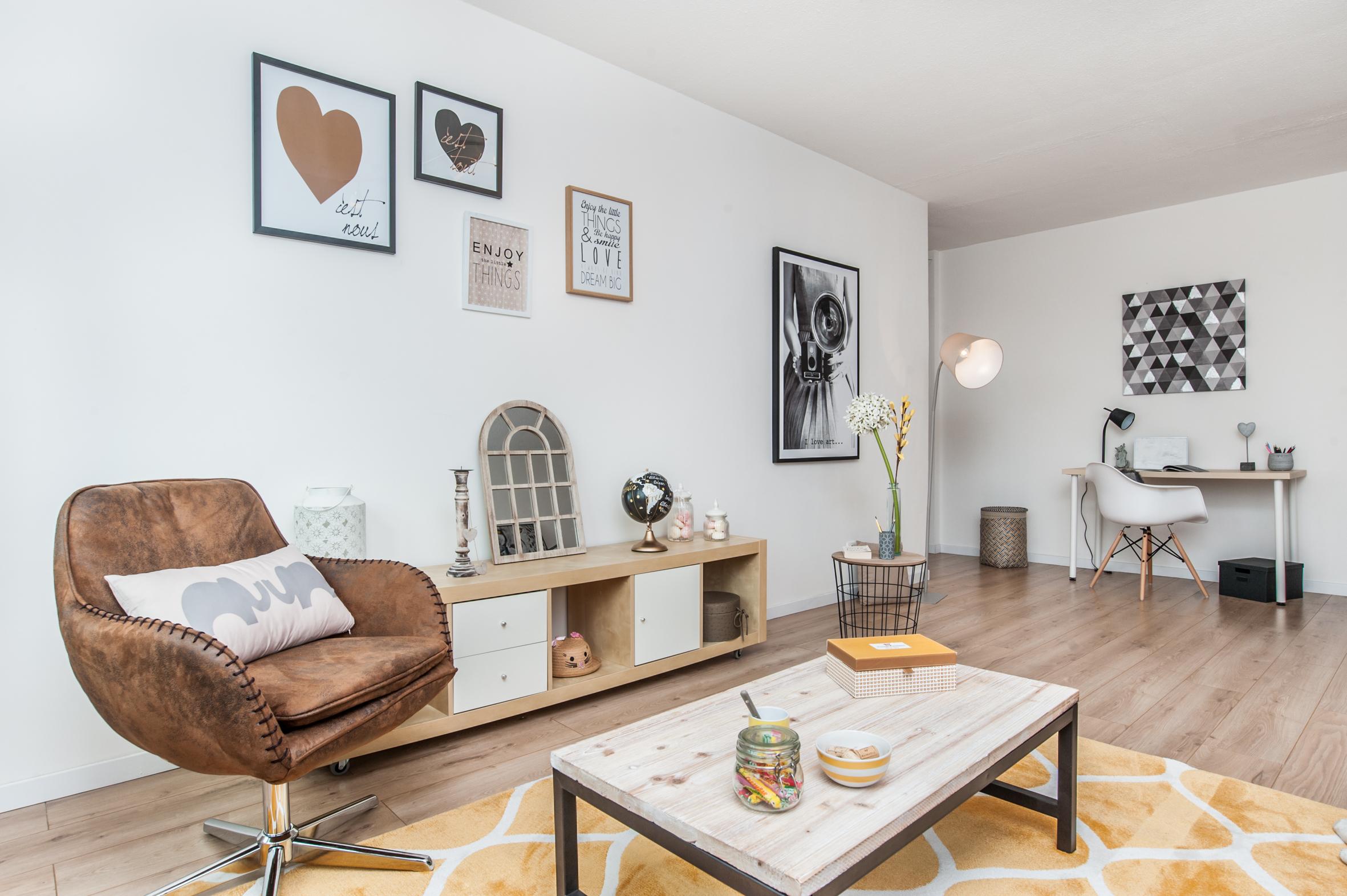 a vendre t2 51m dernier tage cave balcon pkg sud ouest l 39 immovation. Black Bedroom Furniture Sets. Home Design Ideas