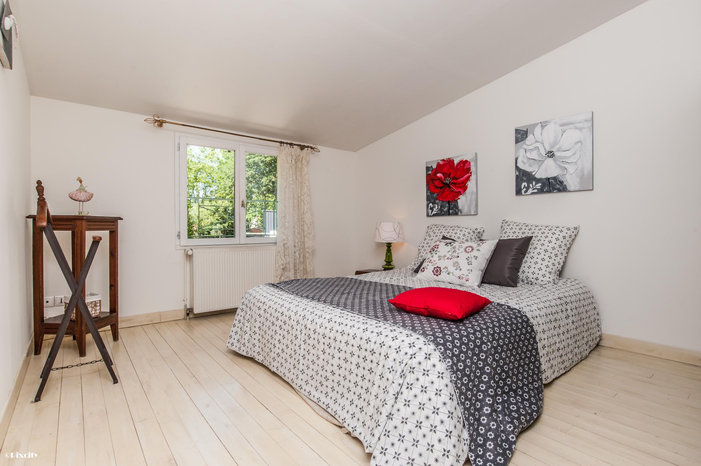 magnifique toulousaine centre ville cugnaux l 39 immovation. Black Bedroom Furniture Sets. Home Design Ideas
