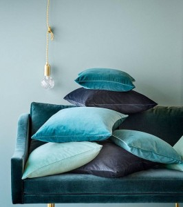 canape-coussins-velours-tenanc-myhomedesign